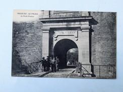 C.P.A. BELLE ILE EN MER : Le Palais, La Porte Vauban, Animé - Belle Ile En Mer