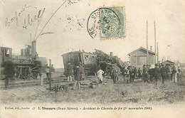 PIE-D-17-286 : CHEMIN DE FER . TRAIN. ACCIDENT. DERAILLEMENT. THOUARS 1 NOVEMBRE 1901. - Thouars