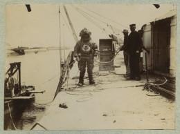 (Normandie) Courseulles-sur-Mer. Scaphandrier. 1890-1900. - Photos
