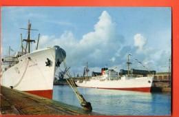 IAP-17 Bateau Fort Richelieu Bananiers Dans Le Port De Dieppe. Non Circulé - Commerce