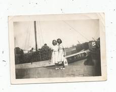 Photographie , 9 X 6.5 , Pin Up , Bateau De Pêche , Pêcheurs , Port ,1948 - Pin-ups