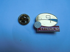 Superbe Pin's , Golf , Evreux 92 , Eure - Golf