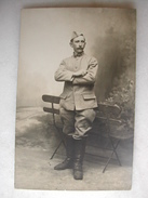 CARTE PHOTO - Militaire Posant En Tenue (12è Sur Le Col) - Weltkrieg 1914-18