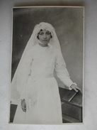 CARTE PHOTO - Femme Posant En Tenue De Mariée - Noces
