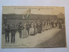 Cp1107 Tom17   AURAY Trois Noces Réunies La Cortege Sortie De L Eglise Costumes Breton 1910 - Auray