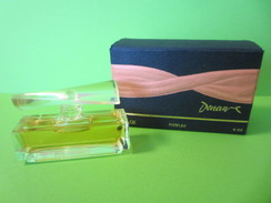 MINIATURE  DE PARFUM CATHERINE DENEUVE    PARFUM  4  ML PLEIN + BOITE - Miniatures Femmes (avec Boite)