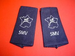 PAIRE DE FOURREAUX D'EPAULE /  SMV / SERVICE MILITAIRE VOLONTAIRE - Ecussons Tissu