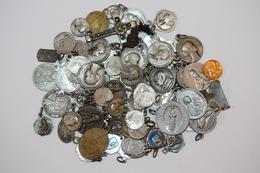 Fond De Tiroir ! Lot De 90 Pendentifs Médailles Religieuses 120gr - Lot Of Religious Medals