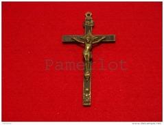 Croix ( 12.6 X 6.4 X 1.2 Cm 44 Ancienne  Croix De Chapelet, Crane Et Os Fait à La Main ) Croix 2 Scan