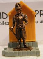 MONDOSORPRESA, KINDER FERRERO (SC35)  SOLDATINI DI METALLO GUARDIE SVIZZERE N° 1 K96 N74, COMPLETA - Figurine In Metallo