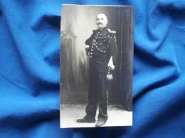 Photo Format CDV Sur Carton Fort - Gendarme En Pied Format 6.5x10.8 Cms L301 - Guerre, Militaire