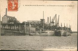 Roche-Maurice-les- Nantes - Les Estacades Et Les Grues De La Papeterie - France