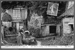 37 - Cpa VERNOU, La Pouletière, Habitations Dans Le Rocher, Manque Surface , Voir Scan En Noir Et Blanc, Timbre Rouge - France