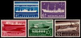 ~~~ Netherlands 1957 - Boats And Ships / Zomerzegels - NVPH 688/692 ** MNH ~~~ - Period 1949-1980 (Juliana)