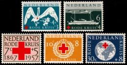 ~~~ Netherlands 1957 - Red Cross Issue  - NVPH 695/699 ** MNH ~~~ - Period 1949-1980 (Juliana)