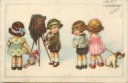 Themes Div Ref P394- Illustrateur A Bertiglia -enfants Devant Le Photographe -photographie  - - Bertiglia, A.