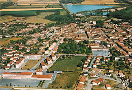 CPSM (32) L' ISLE JOURDAIN Vue Aérienne - Otros Municipios