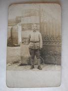 CARTE PHOTO - Militaire Posant En Tenue - Weltkrieg 1914-18