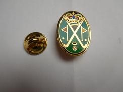 Superbe  Pin's En EGF , Golf , Couronne - Golf
