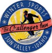 1Hotel Label Etiquette De Voyage Luggage Label Skifahren Ski  Winter Sports The Chalenger Inn Sun Valley Idaho USA - Hotel Labels