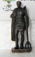 MONDOSORPRESA, KINDER FERRERO (SD12) ROMANI N° 2, SCAME - K93 N°124, BRUNITO - Figurine In Metallo