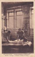 Aix Les Bains - Etablissement Thermal - Douche Massage (femme Nue Massée Sous Le Jet) Position Couchée, 2e Temps - Aix Les Bains