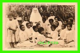 MISSIONS - LES FRANCISCAINES MISSIONNAIRES DE MARIE EN MISSION, BEIRA, MOZAMBIQUE - LA LEÇON DE CATÉCHISME - - Missions