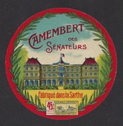Etiquette De Fromage Camembert  -  Des Sénateurs  -  Fabriqué Dans La Sarthe  (72) - Quesos