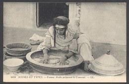 Femme Arabe Préparant Le Couscous - LL N°6434 - Voir 2 Scans