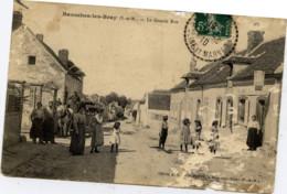 77 BAZOCHES-LES-BRAY - La Grande Rue - Très Animée - En L'état - France