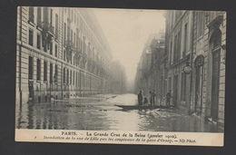 DF / 75 PARIS / INONDATIONS DE 1910 / JANVIER / INONDATIONS DE LA RUE DE LILLE PAR LES SOUPIRAUX DE LA GARE D'ORSAY - Überschwemmung 1910