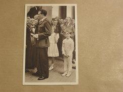 LE ROI RECEVANT LES OUVRIERS à LAEKEN  Famille Royale Belgique Léopold 3 Roi Reine Princesse Carte Postale Postcard - België