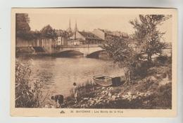 2 CPSM BAYONNE (Pyrénées Atlantiques) - Bords De La Nive, Quais De La Nive - Bayonne