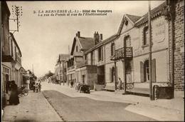 44 - LA BERNERIE-EN-RETZ - Hotel Des Voyageurs - Pompe à Essence - La Bernerie-en-Retz