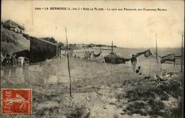 44 - LA BERNERIE-EN-RETZ - Plage - Pêcheurs - Filets De Pêche - La Bernerie-en-Retz
