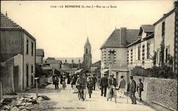 44 - LA BERNERIE-EN-RETZ - Rue De La Gare - La Bernerie-en-Retz