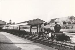 Railway Postcard GWR 7810 Draycott Manor Aberystwyth 1963 4-6-0 Loco - Stations With Trains