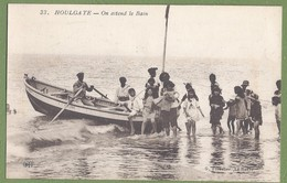 "CPA - CALVADOS - HOULGATE - ""ON ATTEND LE BAIN"" - Très Belle Animation, Groupe D'enfants, Barque - G. Forestier / 33 - Houlgate"