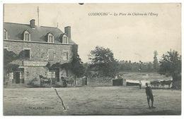 35 Combourg - La Place Du Château De L'étang - Au Bout Du Monde - Philipot Restaurateur - Combourg