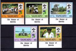 "VANUATU  1982   MNH   -  "" 75e  ANNIVERSAIRE  SCOUTISME  ""   -  5  VAL."
