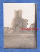 Photo Ancienne D'un Poilu Du 366e Régiment - VILLE En WOEVRE ( Meuse )- L' Eglise Endommagée - Mars 1915 WW1 - Guerra, Militari