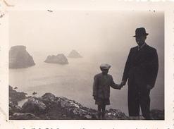 26132 Deux 2 Photo Bretagne 29 Camaret Les Tas De Pois -  France -1937- -Rennes 35 - - Lieux