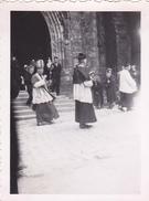 26133 Deux 2 Photo Bretagne 29 Quimper Eveque Et Musée Cathedrale -  France -1938- -Rennes 35 - - Lieux