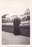 26136 Trois 3 Photo Rennes Thabor Jardin -  France -1937- -Rennes 35 Religieuse Bonne Soeur Landau - Lieux