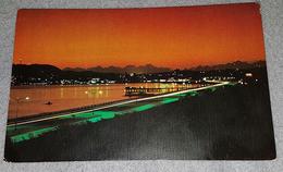 PANAMA, PANAMA CITY- CIUDAD DE PANAMA, BALBOA AVENUE, NIGHT SCENE - Panamá