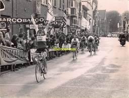 GRAND PHOTO DE PRESSE CYCLISME 24 Cm X 18 Cm PERSFOTO WIELRENNEN FOTO SPORT   ADRIAAN DUYCKER - Ciclismo