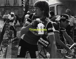 GRAND PHOTO DE PRESSE CYCLISME 24 Cm X 18 Cm PERSFOTO WIELRENNEN FOTO SPORT LUBBERDING - Ciclismo