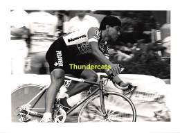 GRAND PHOTO DE PRESSE CYCLISME 24 Cm X 18 Cm PERSFOTO WIELRENNEN FOTO SPORT RAOUL ALCALA - Ciclismo