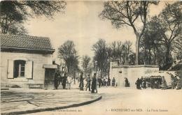 ROCHEFORT SUR MER LA PORTE LESSON - Rochefort