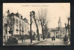 19. Brive. Boulevard De La République. Coin Haut Droit Abimé. Trace De Colle En Haut à Gauche - Brive La Gaillarde